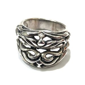 Jewelry - Sterling silver lips ring